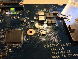Curatare lichid de pe placa de baza a laptopului