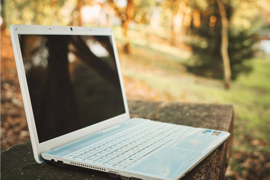 2. brand laptop